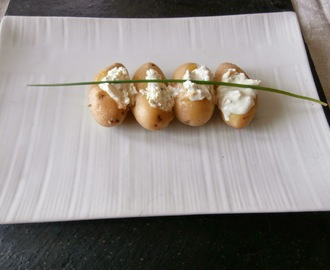 Pommes de terre grenailles au fromage frais (New potatoes with cream cheese)