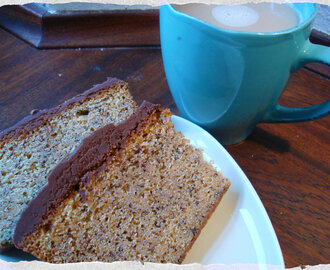 Banana Loaf with cocao cream cheese frosting, a Hummingbird bakery recipe