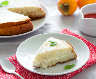 Cottage cheese cake with persimmons | Pastel de requesón con caquis