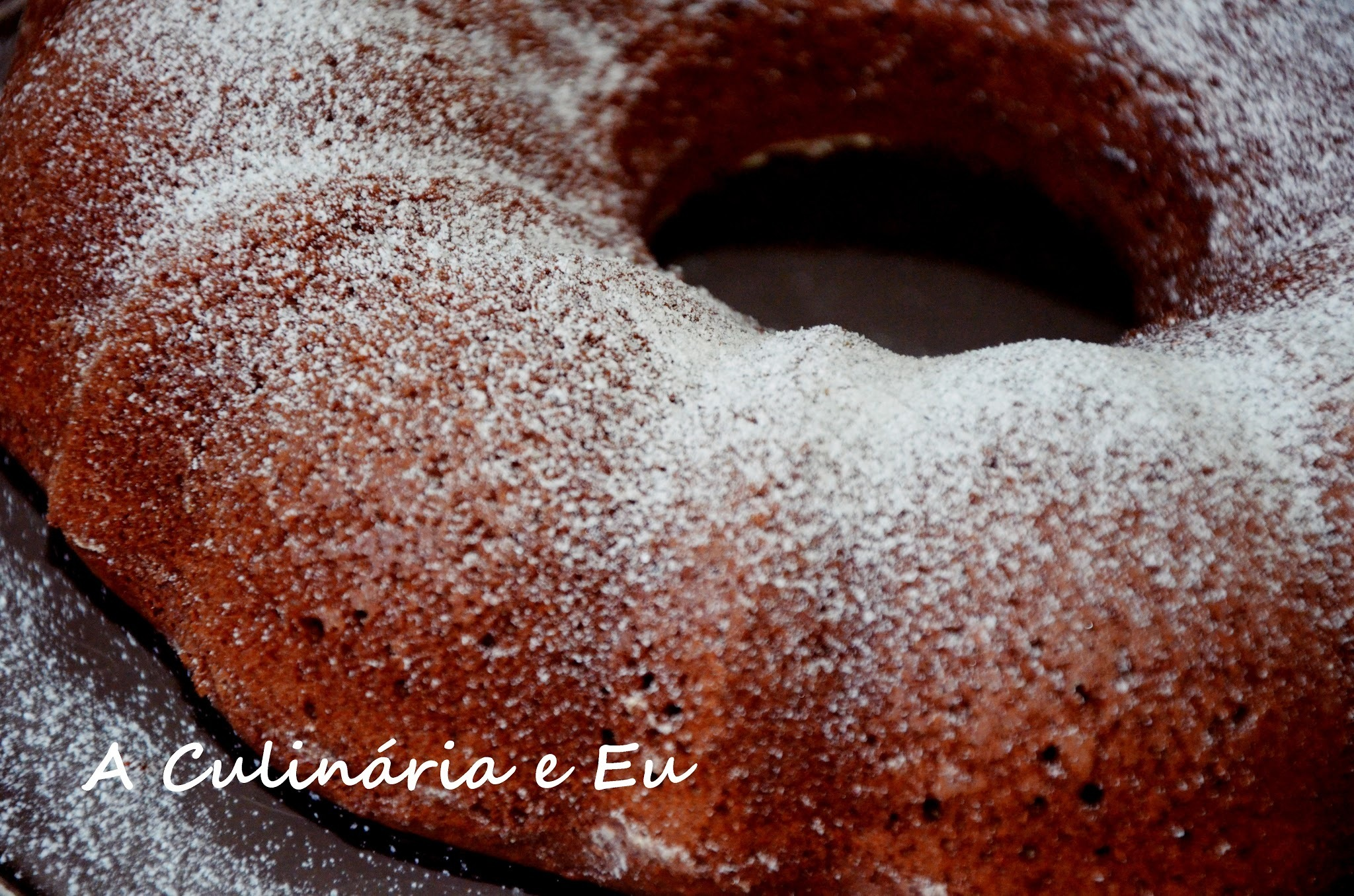 Bolo de Chocolate Simples & Fofo [Bimby//Thermomix]