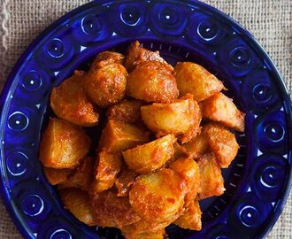Spanish Roasted Potatoes with Tomato Sauce