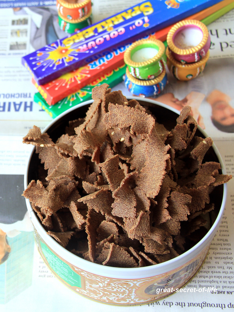 Ragi Ribbon Pakoda - Ragi Ola Pakoda - Diwali snacks - Kids friendly recipe - Diwali Savoury recipe - Tea time snack recipes