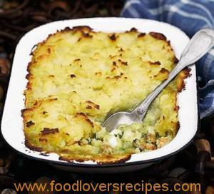 SPICED FISH AND MUSSEL PIE