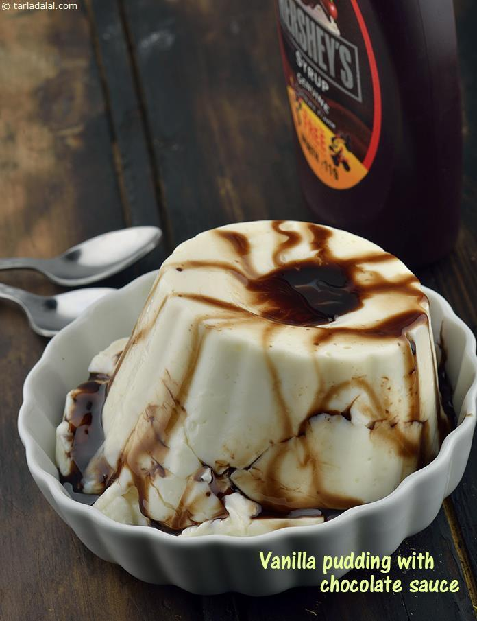 Vanilla Pudding with Chocolate Sauce