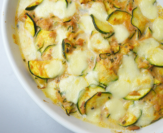 Tuna melt courgette schotel