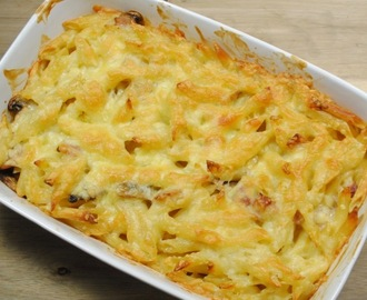 Cheating Chicken, Mushroom And Bacon Pasta Bake recipe
