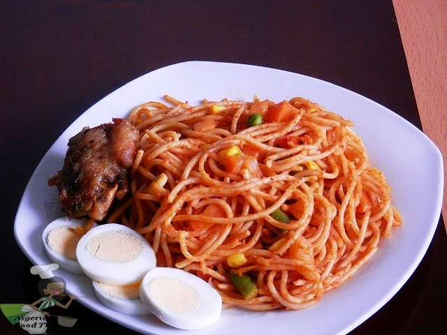 Jollof Spaghetti - Spaghetti Jollof with vegetables