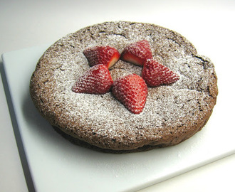 Bolo de chocolate e café (sem farinha) / Flourless chocolate-coffee cake