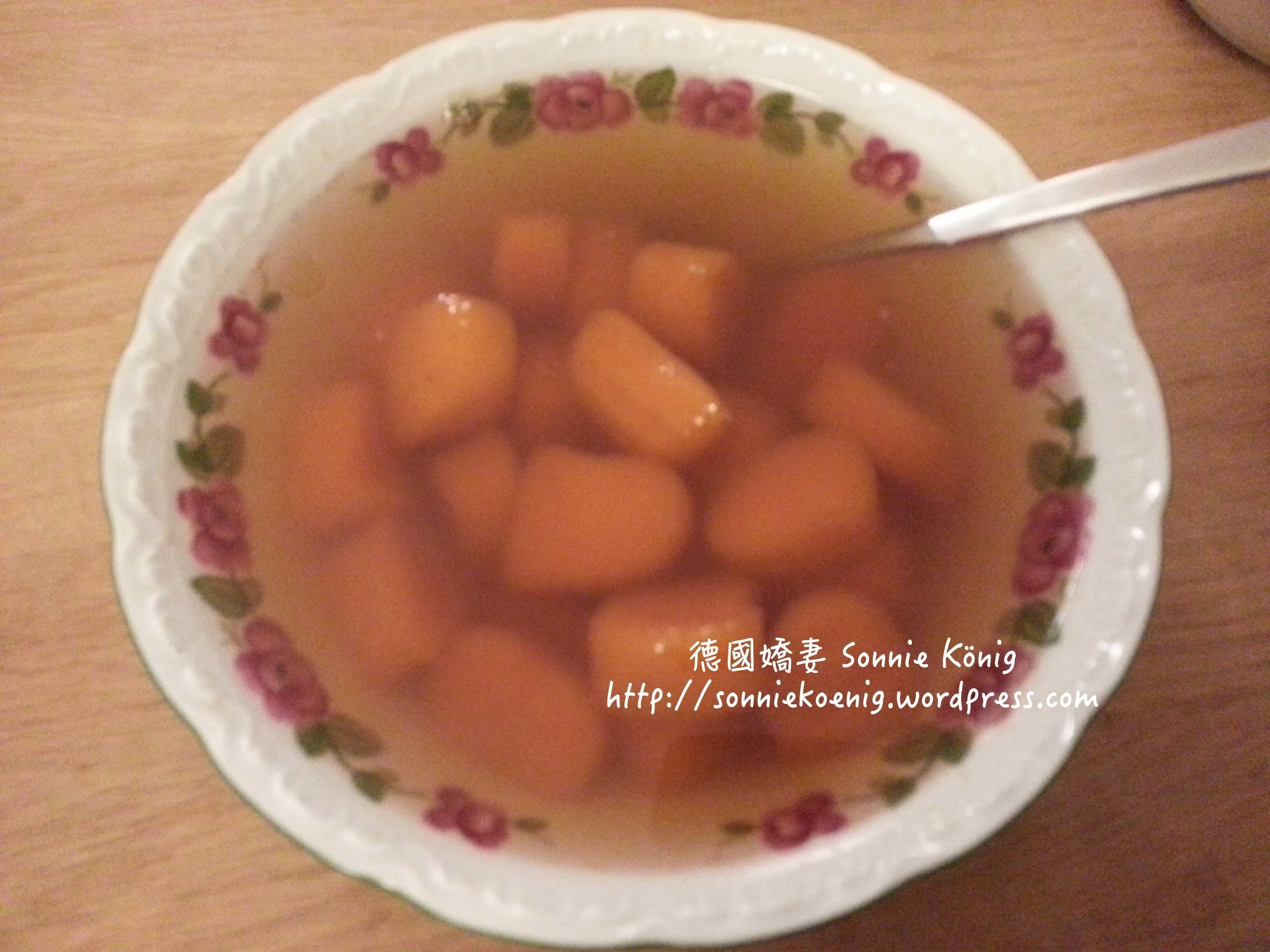 Taiwanese Yam/Sweet Potato Ball Ginger Soup 台式地瓜圓黑糖薑湯