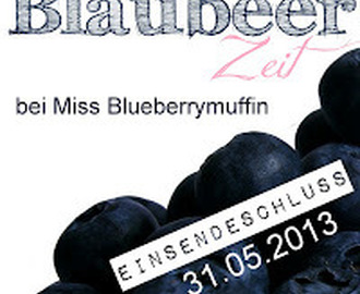 Mohn-Streusel-Muffins mit Blaubeeren (Blueberry Poppy Seed Muffins with Crumb Topping)