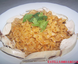 Pasta in paprika sauce with chicken