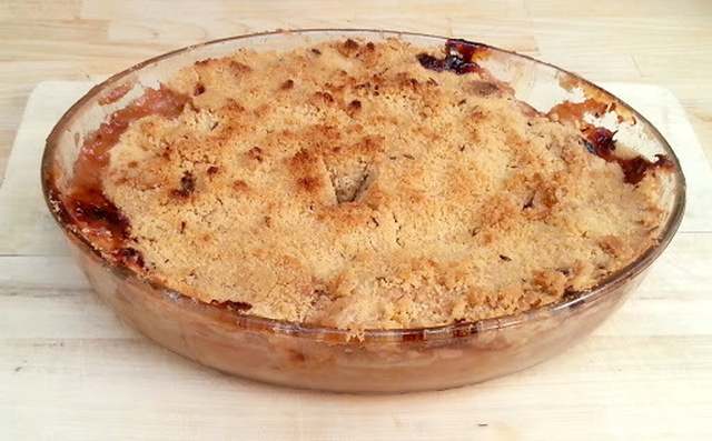 Gooseberry, apple and lavender crumble
