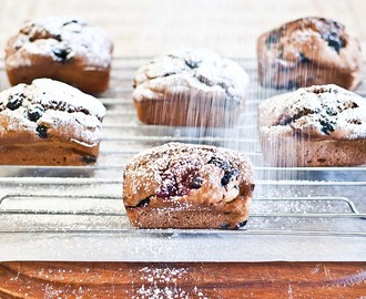 Low FODMAP & Gluten-free Recipe – Blueberry & Raspberry Mini Loaves