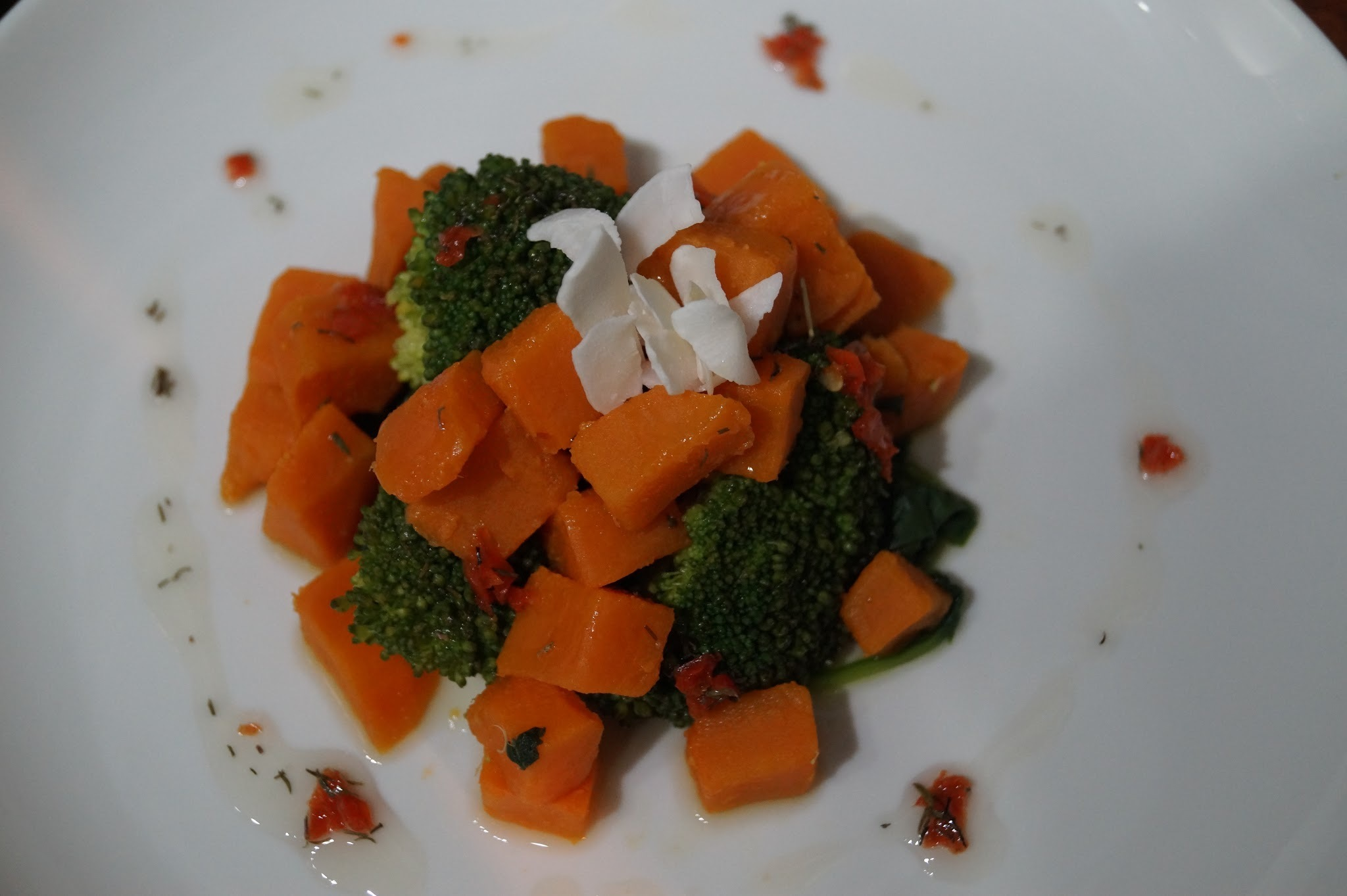 BROCCOLI, SPINACH AND SWEET POTATO SALAD WITH CHILLI COCONUT DRESSING