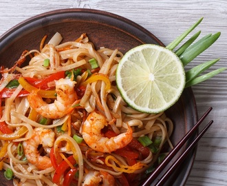 How to Cook Stir Fry Rice Noodles with Shrimp