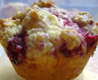 Raspberry and white chocolate muffins, for my parents