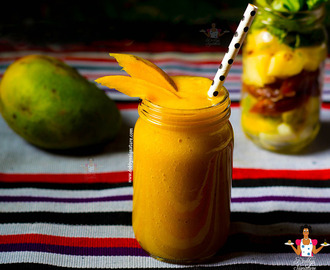 Mango banana date pineapple smoothie