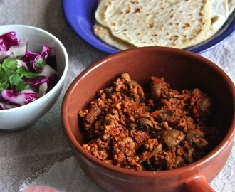 Chilli con Carne, Tortillas & Mexican Slaw