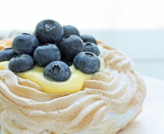 Sugar Free Berry & Lemon Curd Pavlovas, My One year Blog-iversary, and a Magic Bullet Giveaway!