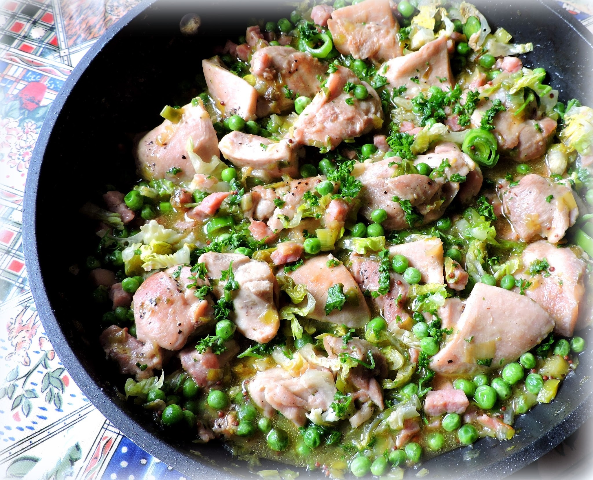 Skillet Chicken with Peas, Leeks and Bacon