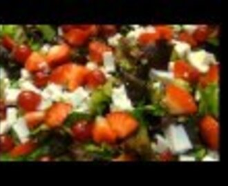 Postres light: ensalada de frutos rojos