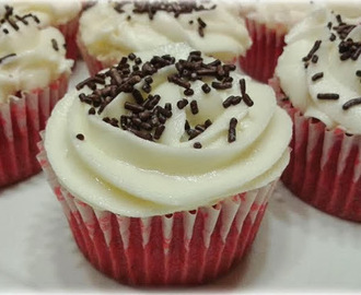 Red Velvet cupcakes con buttercream de chocolate blanco