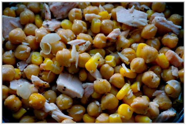 Tuna, Chickpea and Sweetcorn Salad