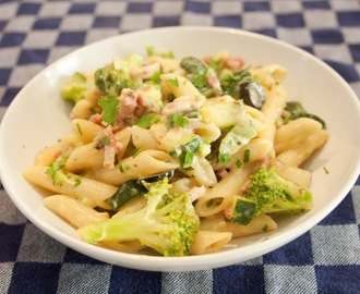 Pasta met broccoli en courgette