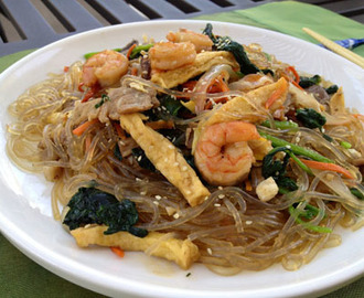 Chapchae (Korean stir fried glass noodle)