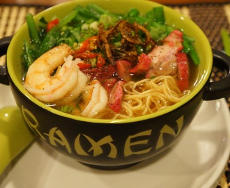 Shrimp and Char siu egg noodle soup (Mi tom, xa xiu)
