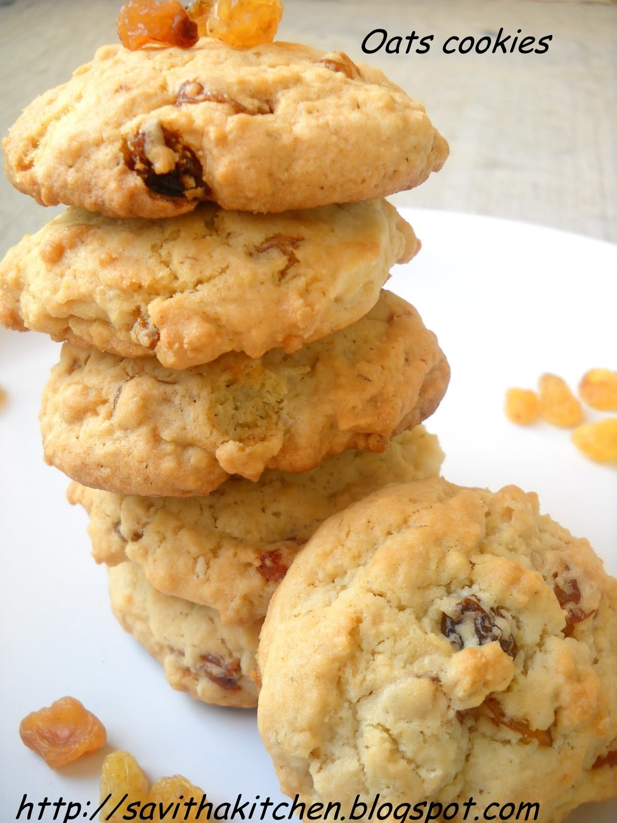 Oats Cookies with raisin topping