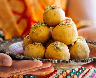 Besan ladoo recipe, How to make besan ladoo(Video)