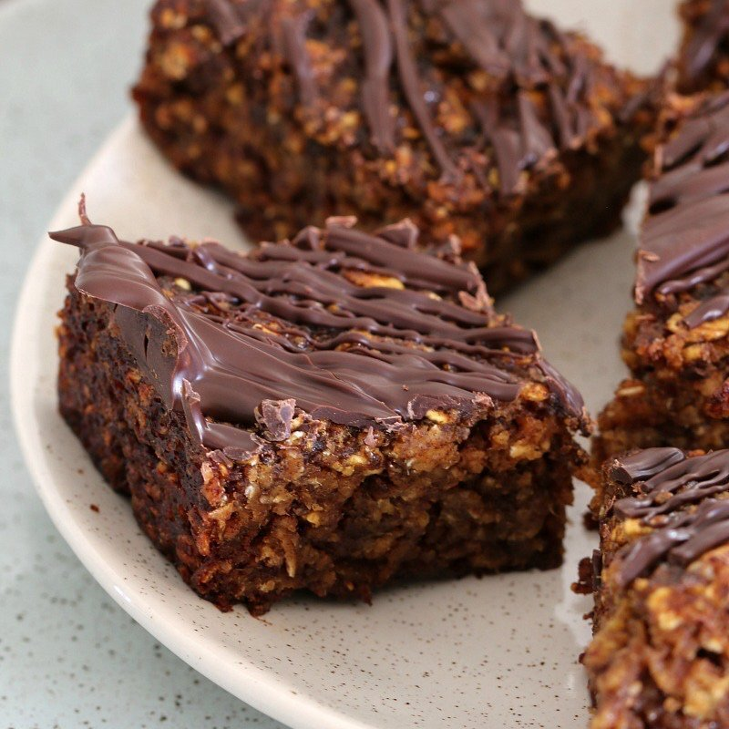 Healthy Oat and Date Slice (refined sugar-free with a dairy-free option)