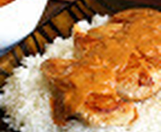Chicken Breasts in Paprika Sauce