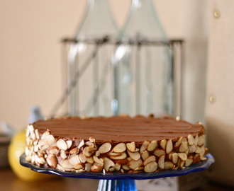 Julia's Chocolate and Almond Cake