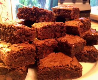 I am sick as a dog today…Comfort food was required….Dark Chocolate Brownies!!!!!