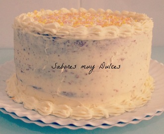 Layer cake de Bizcocho de chocolate con buttercream de Chocolate blanco