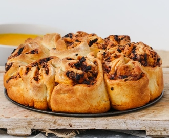 Thermomix Sundried Tomato Pesto & Cheese Pull Apart Bread