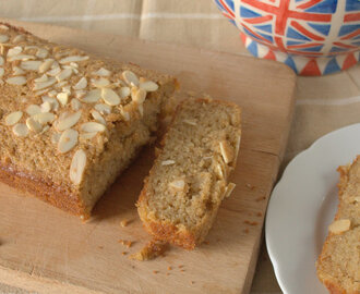 Recipe: Spiced Apple, Almond and Polenta Cake