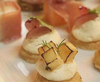 Cheese and Paprika Canapes