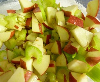Apple Celery Salad #SundaySupper