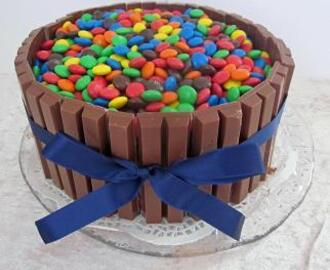 Devil´s chocolate cake med Kit Kat och M&M