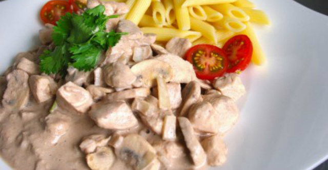 4-Ingredient Chicken And Mushroom Crock Pot Meal – A Really Easy Recipe!