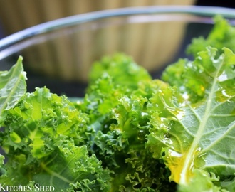 Clean Eating Kale Chips : Healthy Snacks
