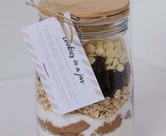 Cookies In A Jar | Homemade Gift with FREE Printable Gift Tag