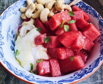 Greek yoghurt, watermelon & mint