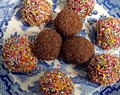 Date, Almond and Chia Bliss balls
