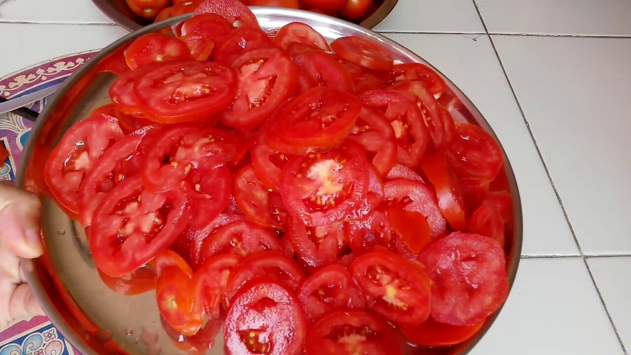 Tomato Powder (how to prepare home made tomato powder at home) by dipu's kitchen