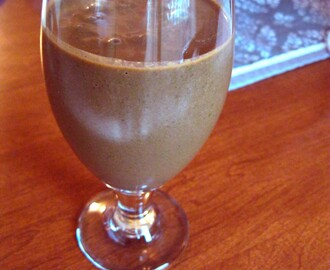 Healthy Chocolate-Fix Smoothie