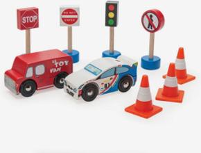 Bilar och trafikmärken, trä